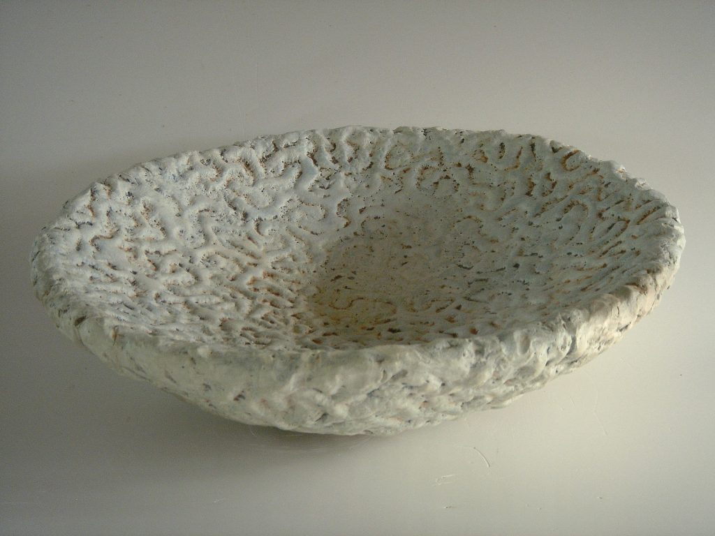 Coral Bowl, 2006, 45 x 45 x 17 cm, terra sigilatta and oxides
