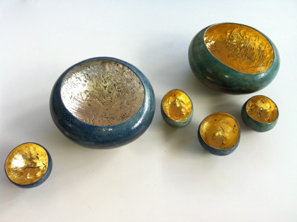 W.T., 2013, raku, silver and gold leaf, between ø 8 and ø 35 cm
