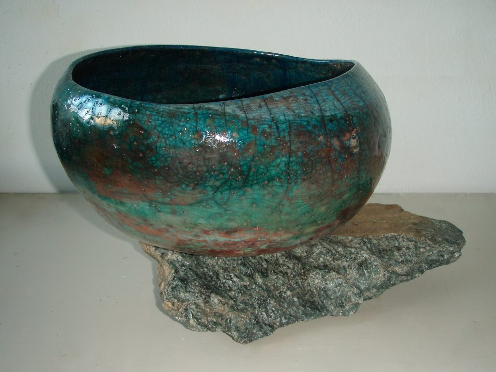 W.T., 2012, raku and basalt rock, 30 x 30 x 30 cm