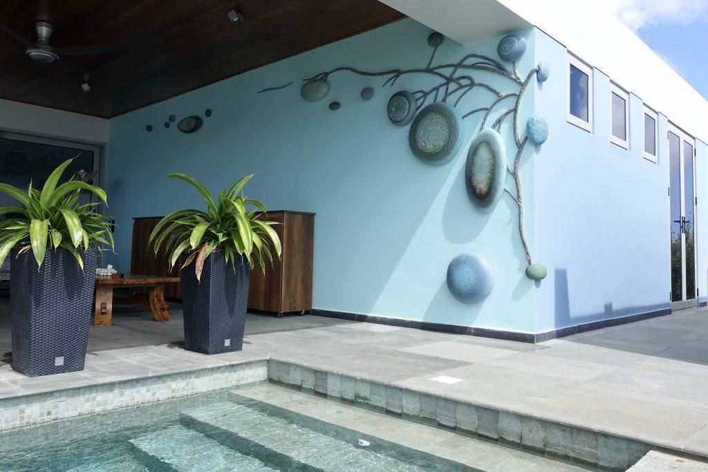Mangrove Fantasy, 2018, glazed stoneware, 500x10x180 cm