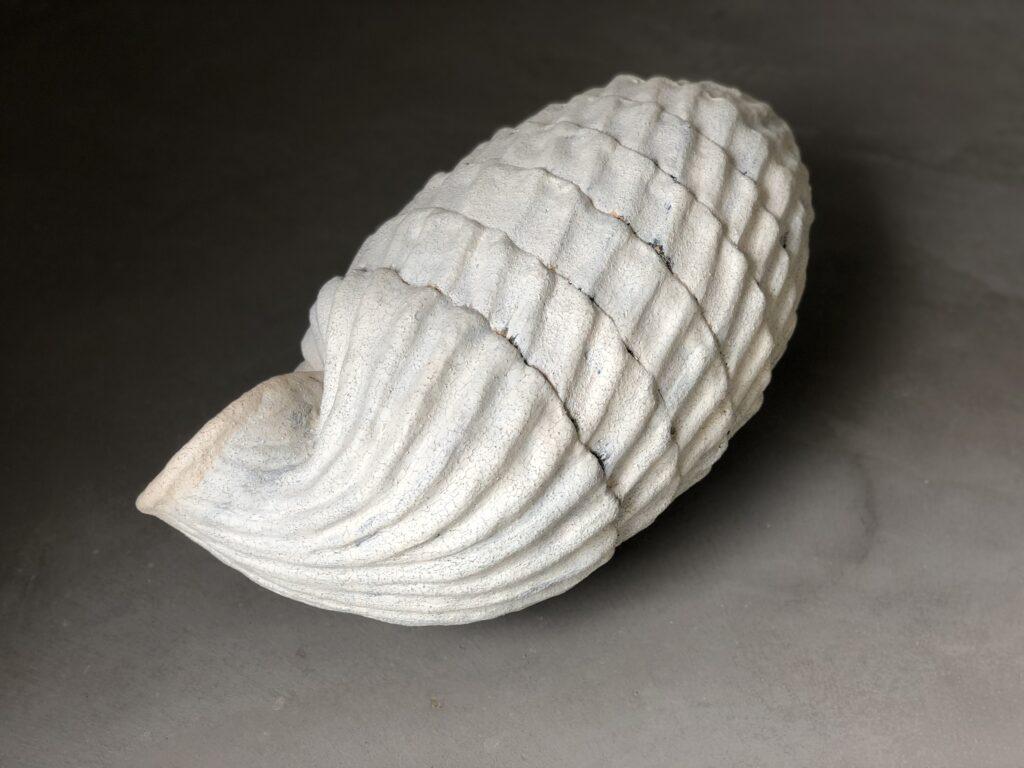 Cerion Uva, 2020, stoneware, 57 x 28 x 29 cm