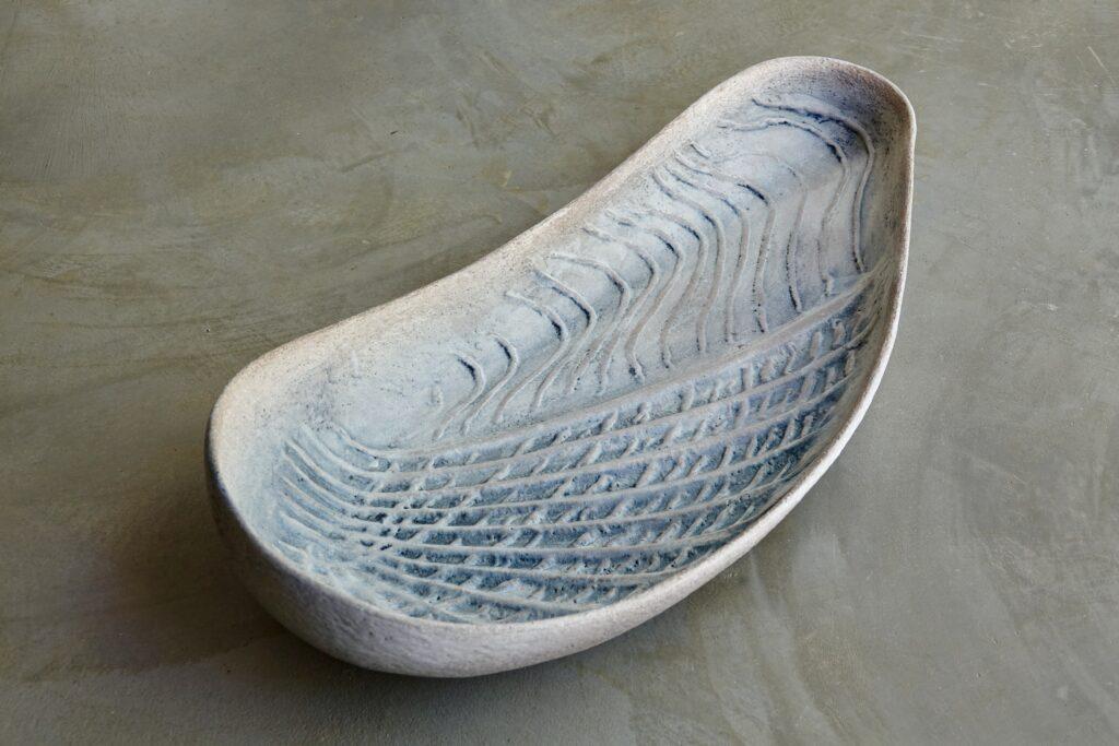 Pholade dactyle II, 2021, glazed stoneware, 75 x 32 x 15 cm
