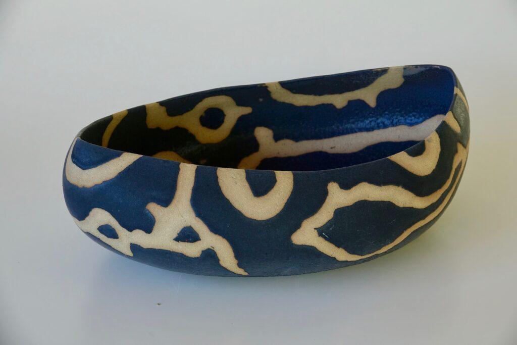 Patterned black bowl, 2017, partly glazed stoneware, 50 x 35 x 15 cm